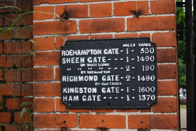 Sign at Robin Hood Gate, Richmond Park