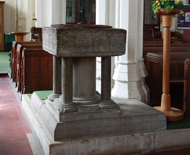 St Michael, Bishops Stortford - Font