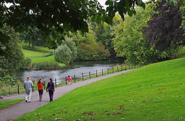 path by lake in phoenix park  dublin  u00a9 p l chadwick cc