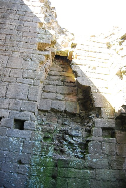Dunstanburgh Castle - ruined chimney