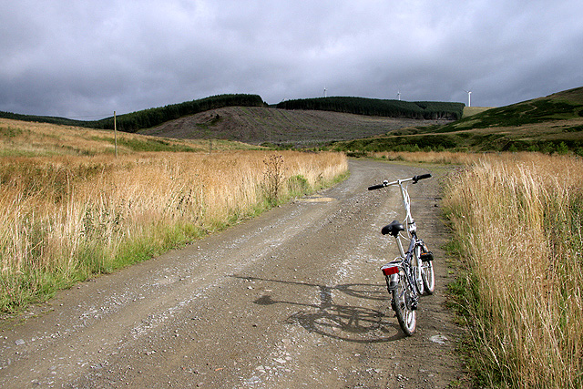 The road to Arresgill Farm
