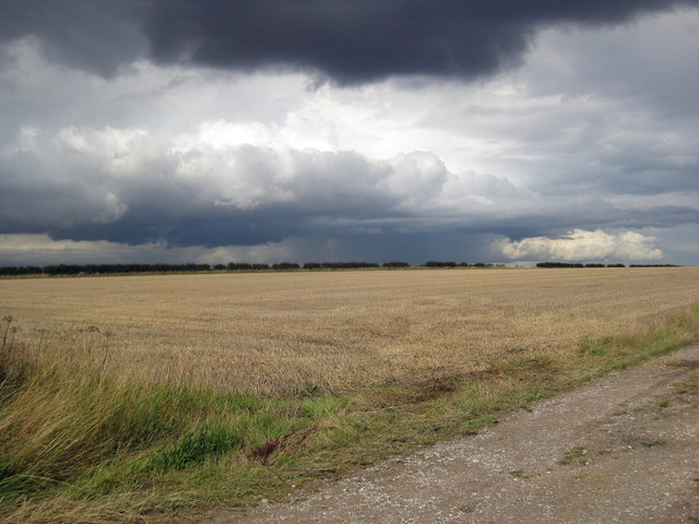 Thundery Showers on Saxby Wolds