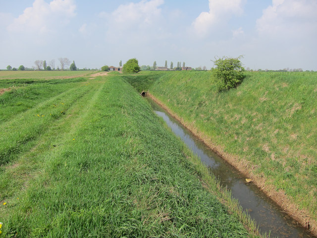 Footpath and ditch to Rutlands Farm