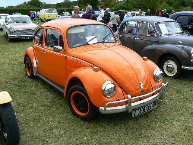 VW Beetle, White Horse Show, Uffington 2011