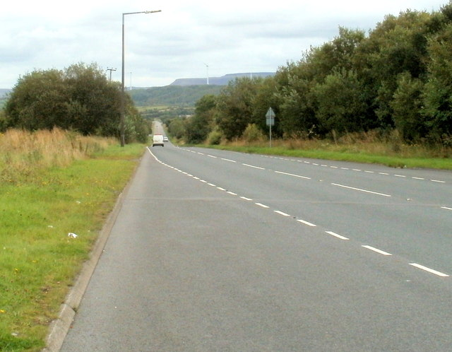 A4221 descends to the SE away from Coelbren