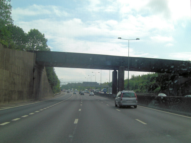 M25 railway-bridge south of Merstham