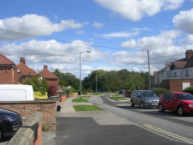Millfield Avenue - Hull Road