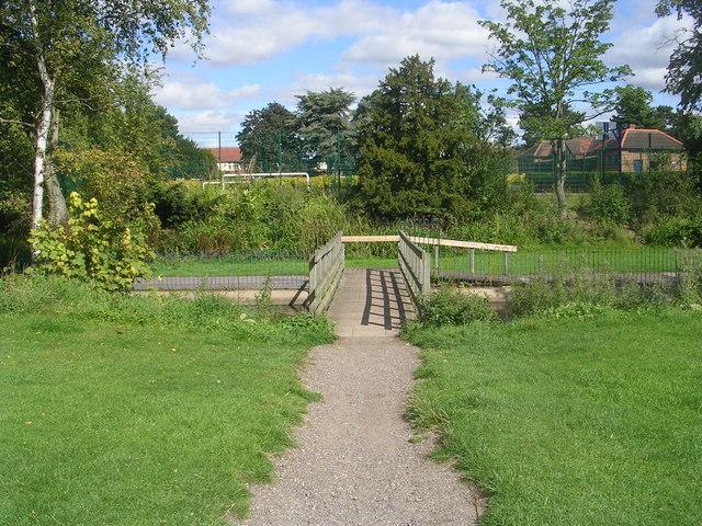 Footbridge over Osbaldwick Beck - Hull Road Park, off Millfield Avenue