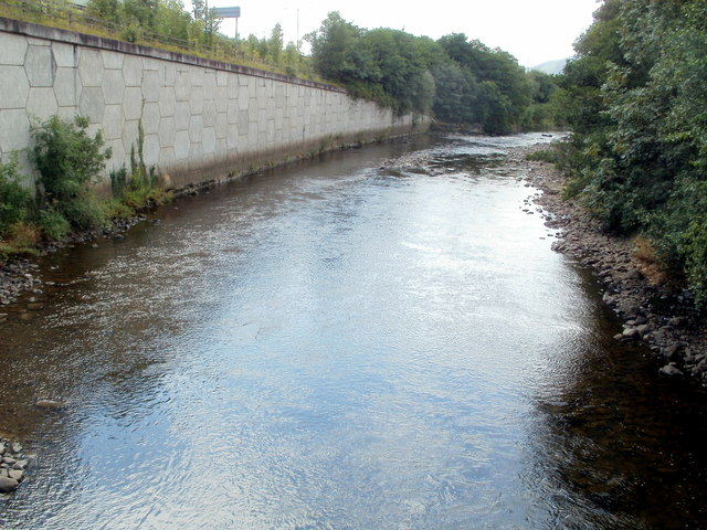 River Neath and the edge of the A465, Glynneath