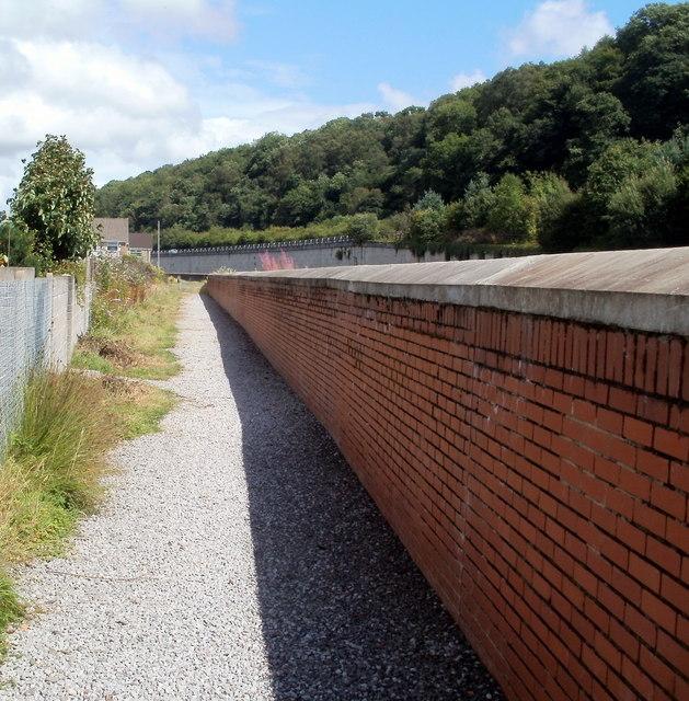 Flood prevention wall, Glynneath