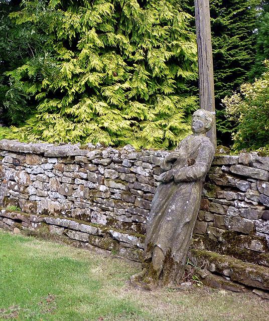 A statue in the Reagill Image Garden