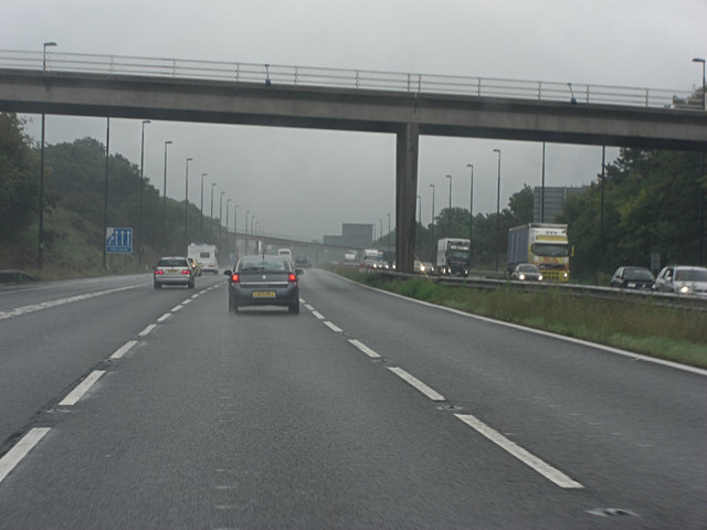 M20 bridge carries Trottiscliffe Road