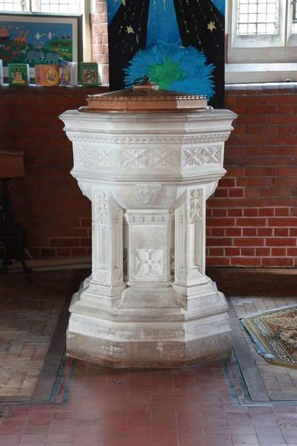 St John, Stansted Mountfitchet - Font