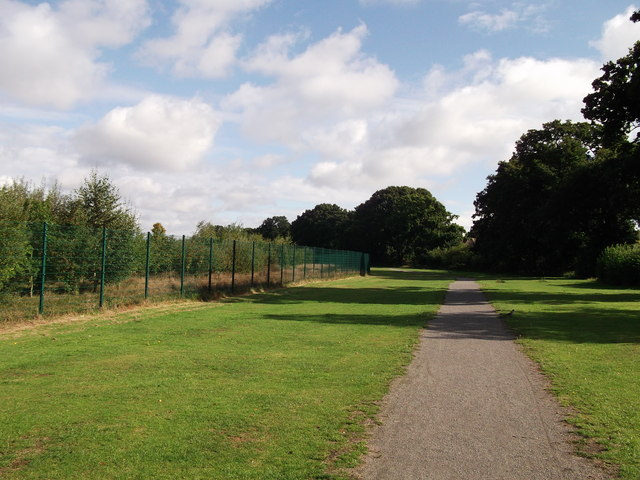Footpath to Holbrook Way