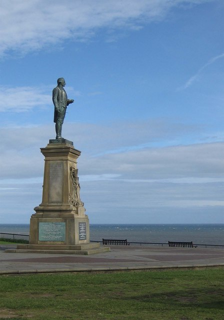 Cook's statue, Whitby