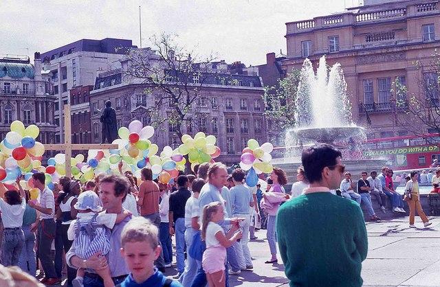 Tourists in Trafalgar Square (1)