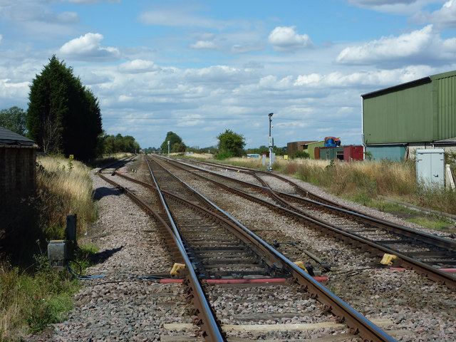 Track north from Beckingham