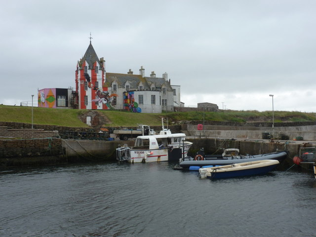 John o' Groats: the hotel from across the harbour