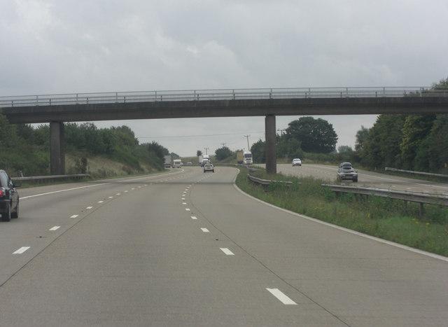 M20 bridge carries Bowley Lane
