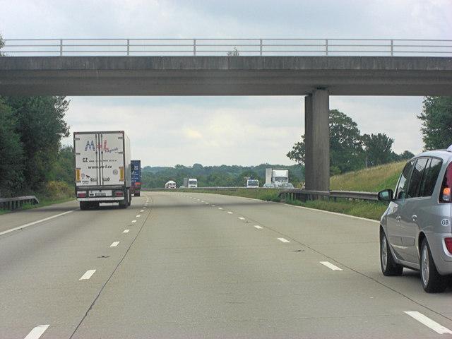 M20 bridge carries un-named lane south of Charing Heath