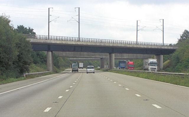 M20 railway-bridge carries CTRL