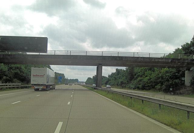 M20 bridge carries Sandyhurst Lane