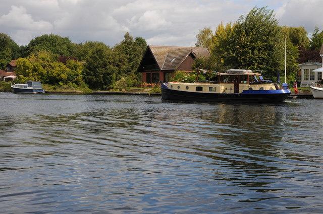 Baglady on the Thames near Hythe End