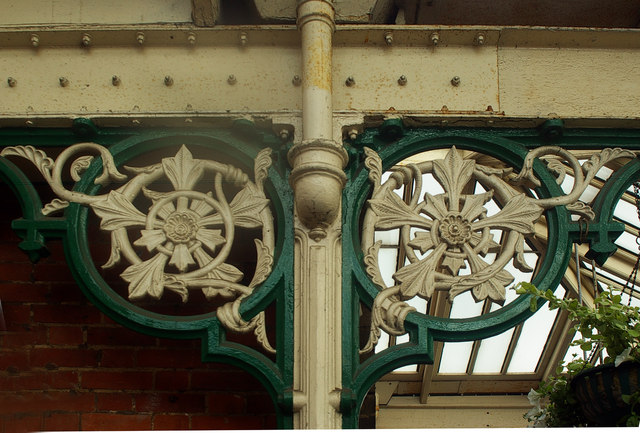 Decorative supporting roof brackets, Sheringham Station