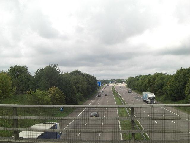 M20 carriageways from Highfield Road bridge