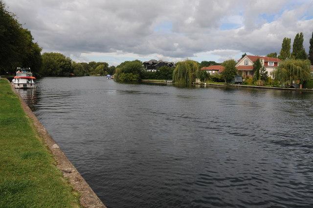 River Thames near Hythe End