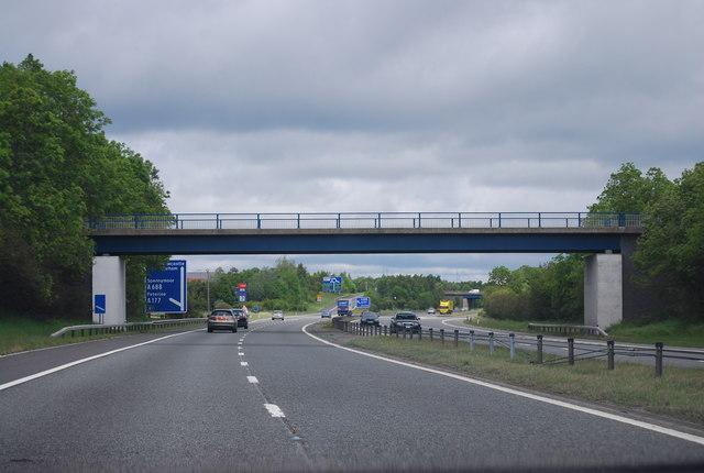 Footbridge, A1(M) south of Junction 61
