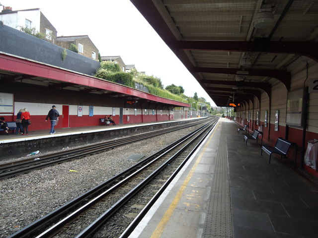 Kensal Green railway station