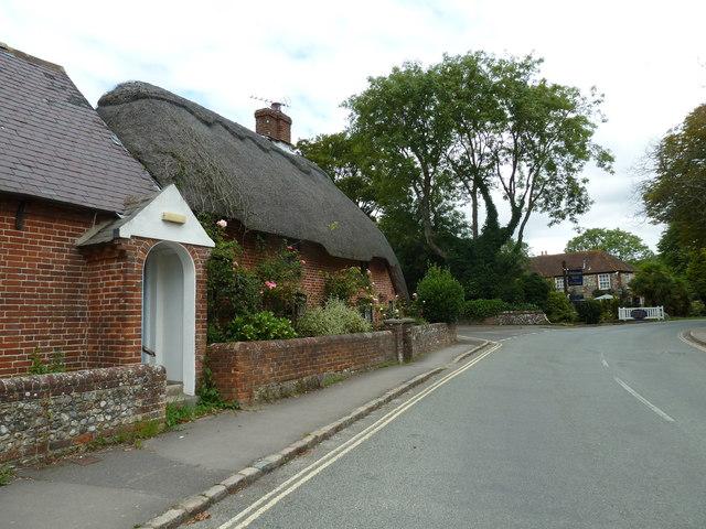 Thatched cottage in Bosham Lane