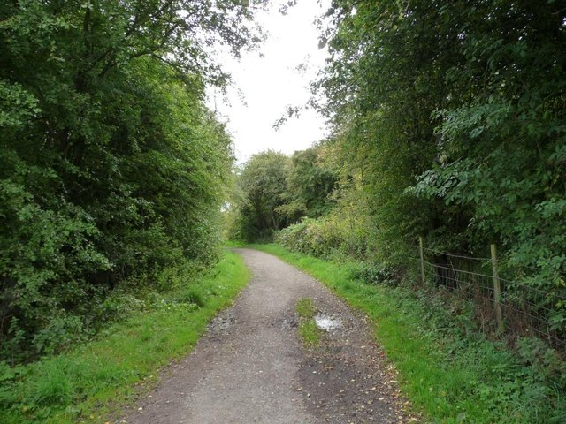 Bridleway south to Shippen House Farm