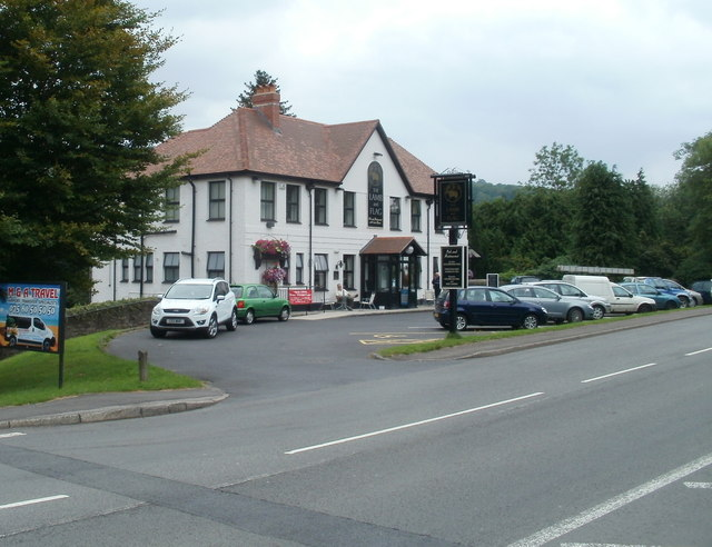 Glynneath : The Lamb and Flag viewed from the west