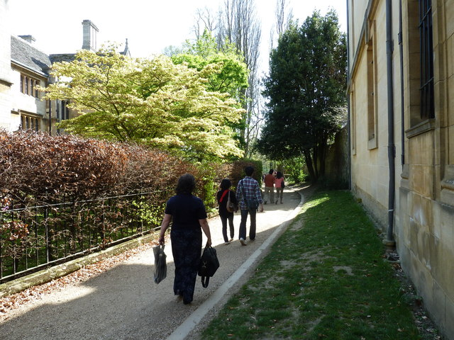 Pedestrians on the path from Merton Street to Christ Church