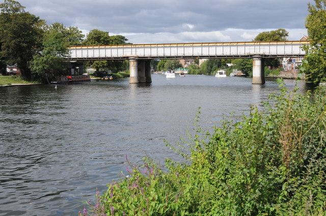Railway bridge in Staines