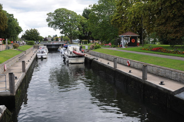 Penton Hook Lock, River Thames