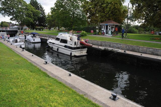 Penton Hook Lock, River Thames