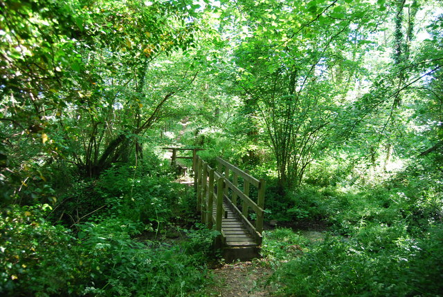 Footbridge on the path to Yopps Green