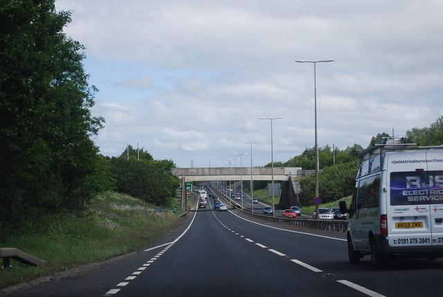 Railway bridge over the A1
