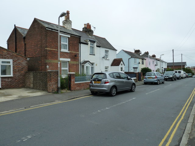 Parked cars in Hill Street