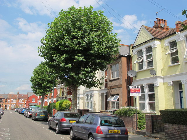 Larch Road, NW2