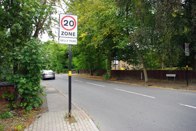 20 zone sign on Oakfield Road, Selly Park