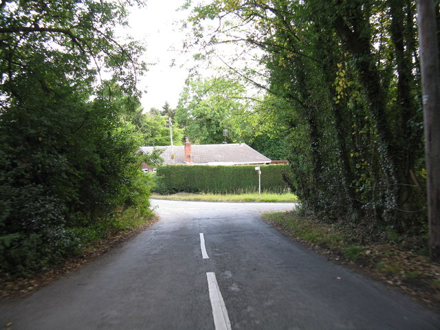 Lane junction at Callow Hill