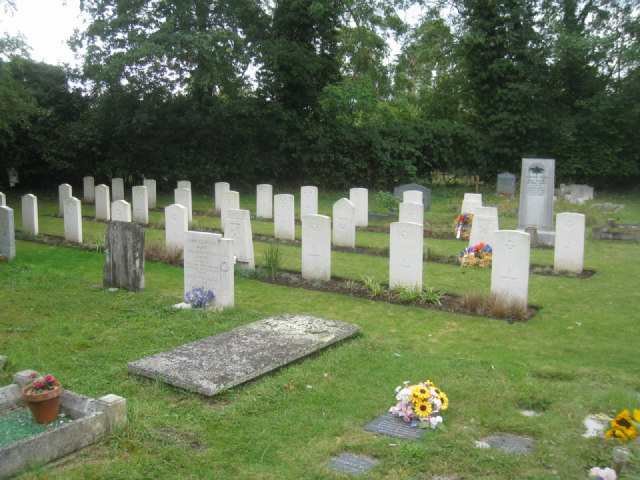 Whittlesford war graves