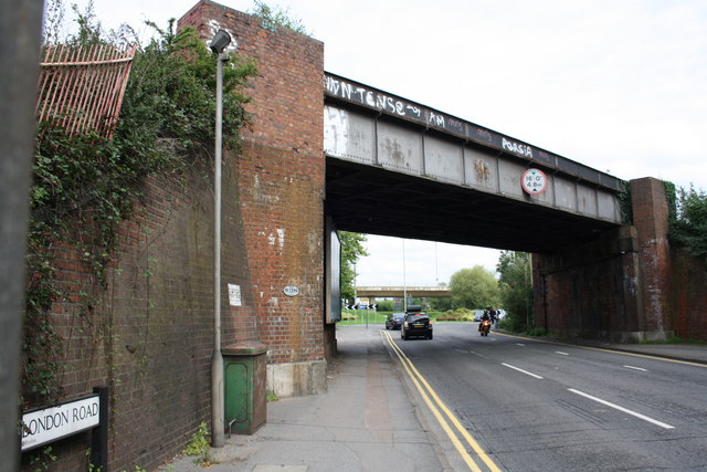 Railway bridge 19/1399 taking railway over London Road