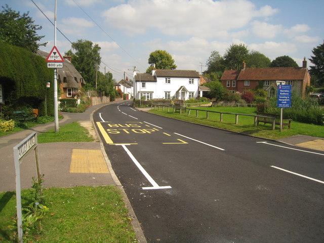 New road markings - Oakley Lane