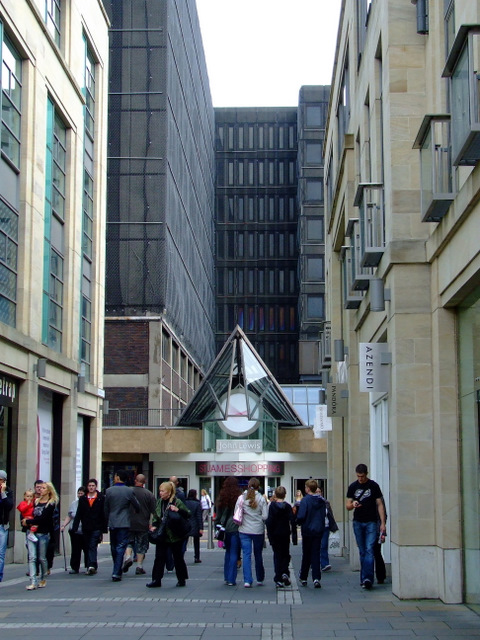 Lane off St Andrew Square
