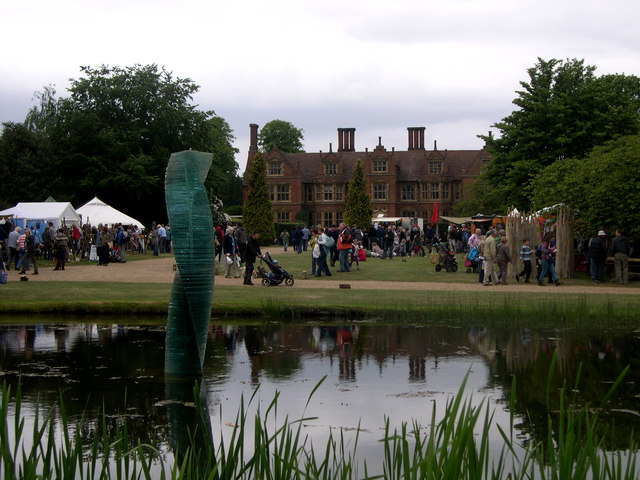 Haughley Park house and lake